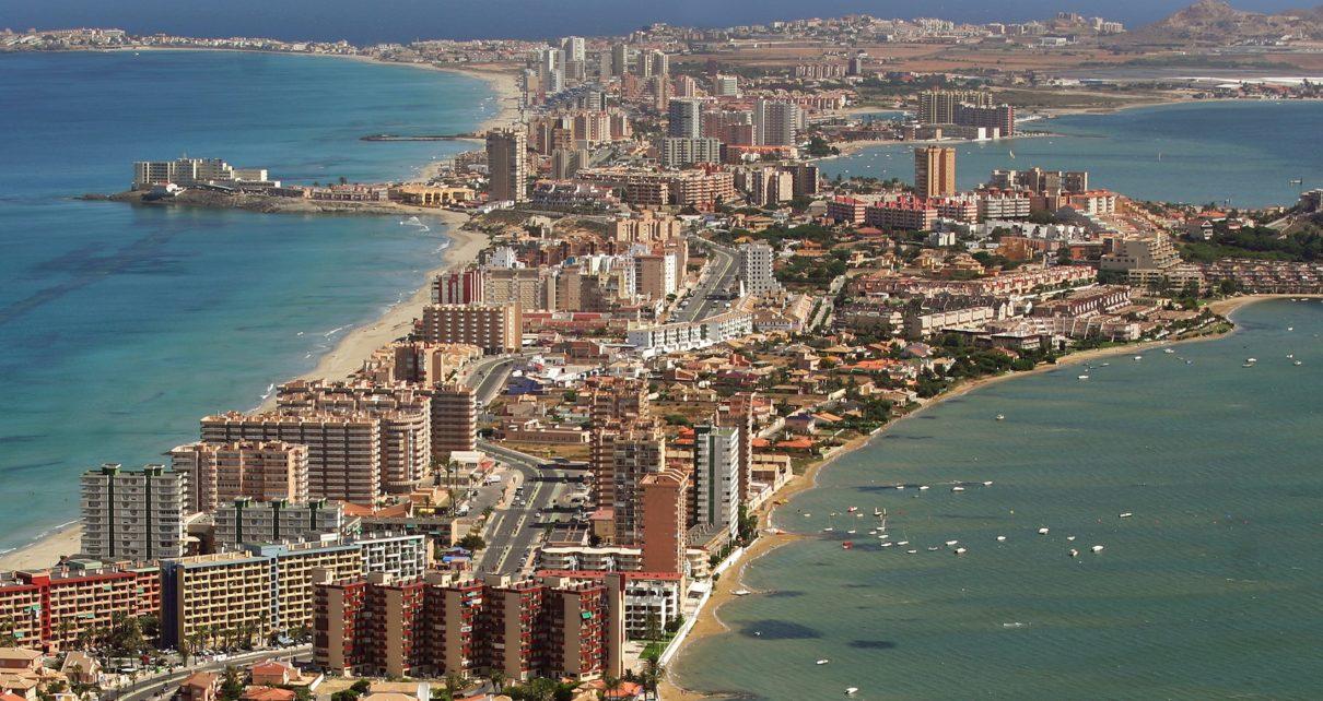 DESTRUCCION A TODA COSTA 2010 (DTC2010) La Manga del Mar Menor, Murcia. Junio 2007. (C) GREENPEACE HANDOUT/ PEDRO ARMESTRE- RESTRICTED TO EDITORIAL USE / NO SALES/ NO ARCHIVES