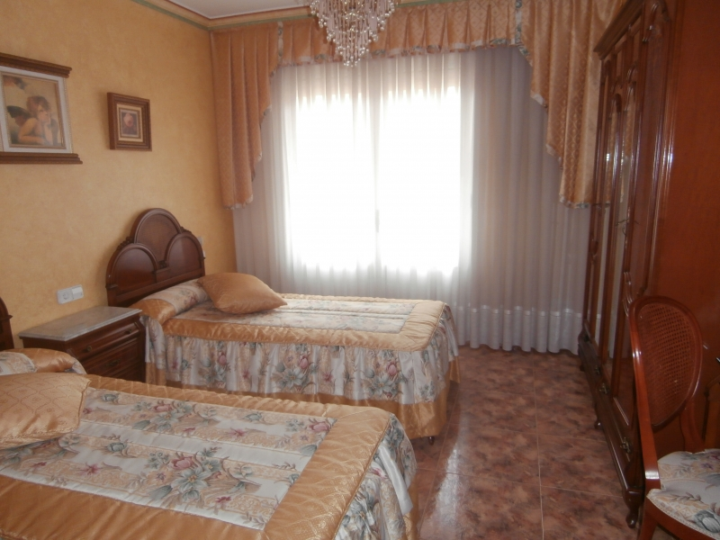 dormitorio 2º planta con balcón