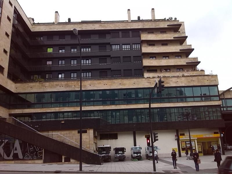 Pisos en asturias piso centro de oviedo avda de for Pisos centro santander