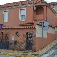 se vende casa adosada en los carmenes de san bernane