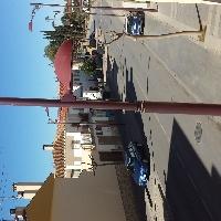 Casa 4 dormitorios Centro + Locales Comerciales