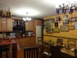 Txoko montado con segunda cocina.