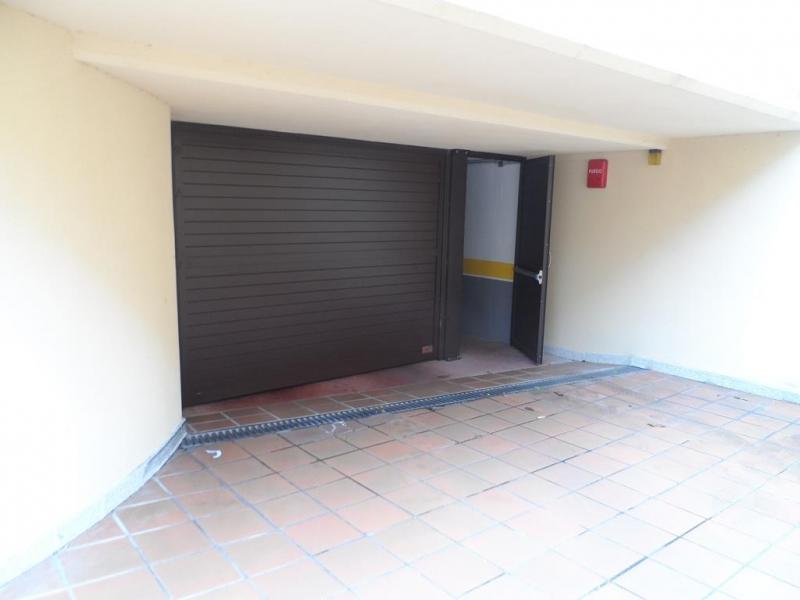Plazas de garaje en pontevedra garaje en calle for Plazas de garaje valladolid