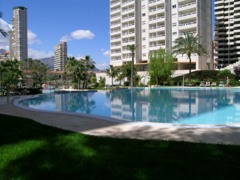10- Tres grandes piscinas-lago