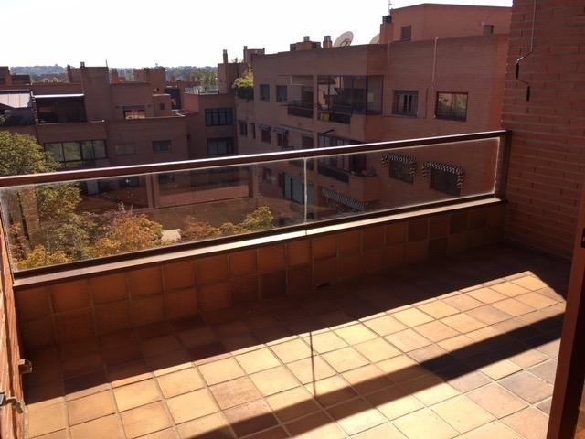 Pisos En Madrid Piso De 3 Habitaciones Con Terraza En