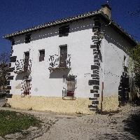 Casa de pueblo y dos parcelas en calle del Sol s/n, Yerri