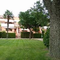 Casa reformada en venta con jardín en Villena