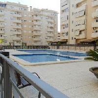 Piso en urbanización con piscina y plaza de garaje
