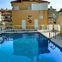 Bungalow con piscina, muy cerca de la playa (a 100 metros)