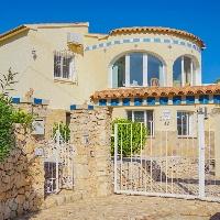 Villa en venta con piscina en Calpe