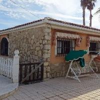 Chalet en La Nucia con piscina