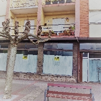 Bajo comercial 160 m2 en Plaza peatonal en Piedras Blancas