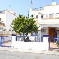 Chalet dúplex en urbanización de Torrevieja
