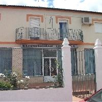 Casa en venta con local comercial en Ronda