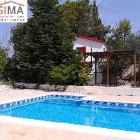 Chalet con piscina en venta en Moixent