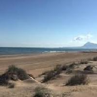 Parcela en primera línea de playa en Oliva