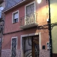 Casa de dos plantas en venta en Cheste