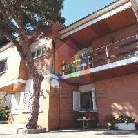 Casa en venta con piscina en Albarrosa