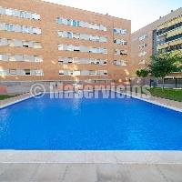 Piso en venta con piscina en Camprecios