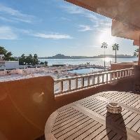 Apartamento en venta con piscina en zona Cavana La Manga