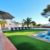 Chalet moderno con piscina en venta en Calpe