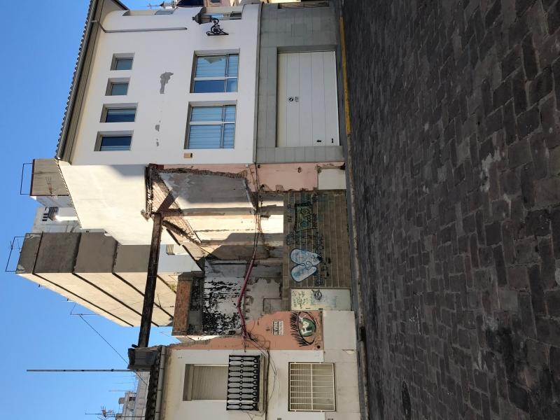 Vista fachada y laterales