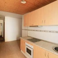 Casa de 111 m2, de 2 dormitorios. Distribuida en 2 plantes. Ideal  familias!