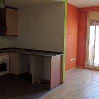 Piso de 79 m2 con 3 habitaciones y  2 baños en zona Av. Catalunya