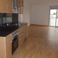 Apartamento de 83  m2 con 2 habitaciones,  cocina abierta, aire acondicionado. Obra nueva