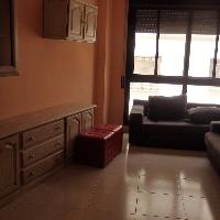Piso de 80 m2 con 3 habitaciones, 2 baños y plaza de parquing