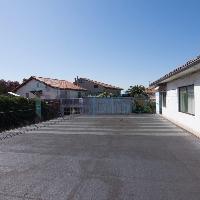 Casa en venta con jardín en zona Peñacastillo Santander