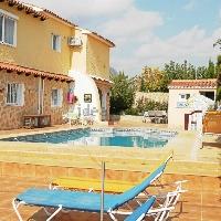 Villa de lujo con jardín en venta frente al mar Calpe