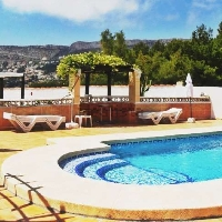 Chalet independiente en venta con piscina Gargasindi Calpe