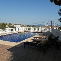 Chalet independiente en venta con piscina en Gargasindi