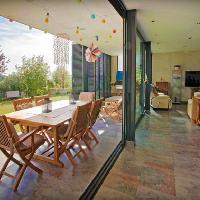 Casa de diseño moderno en venta o alquiler en Mataró