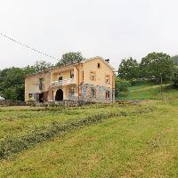 Casa rural con terreno en venta en Parbayón