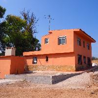 Chalet independiente en venta con piscina en Vilamarxant
