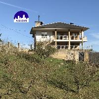 Casa independiente con parcela en venta en Trubia Oviedo