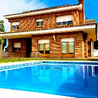 Chalet en venta con piscina zona Masnou de Alella