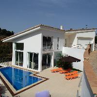 Casa moderna en venta con piscina en Platja d'Aro