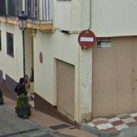 Local comercial. C/ Las Monjas - C/ Granada