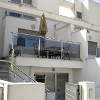 Adosado en Playa Oliva. También se permuta por piso en Madrid capital.