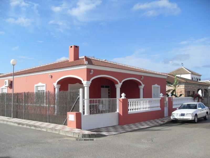 Eachada norte