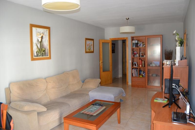 Pisos en c diz se vende piso for Busco piso en alquiler en sevilla